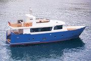 Яхта стальная моторная,